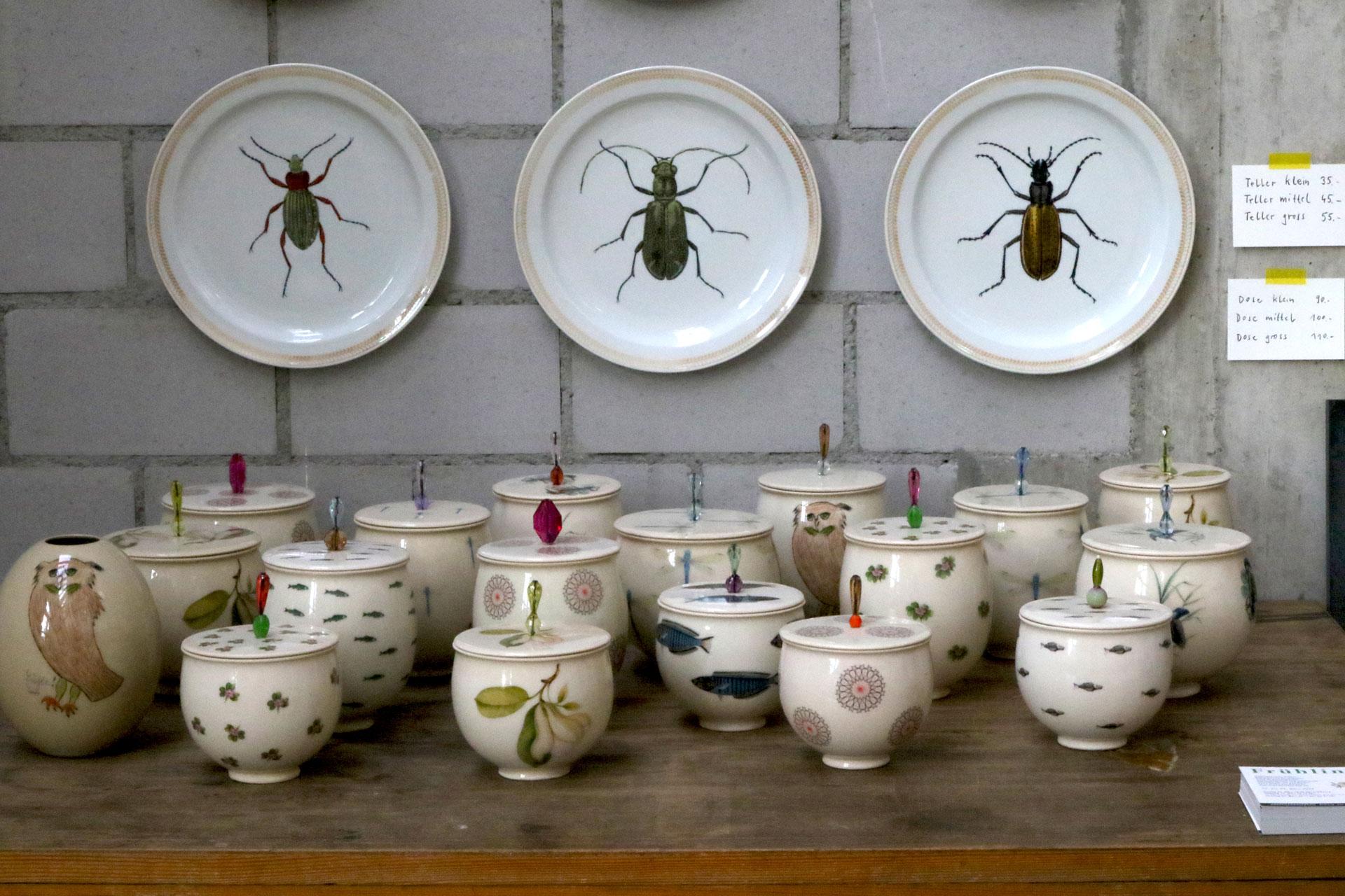 Frühlingsmarkt: Dosen und Käfer von Jeanne Koepp